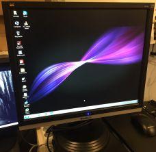 """Monitor 19"""" LCD"""
